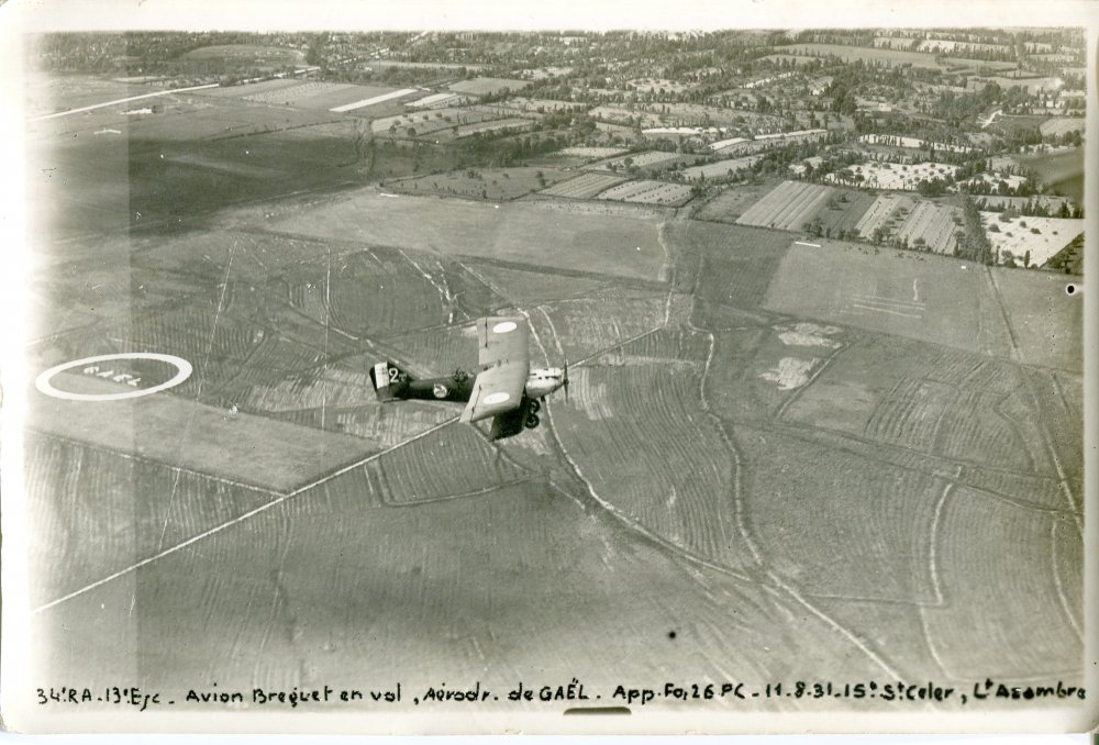Avion Bréguet en manoeuvre à Point-Clos en août 1931